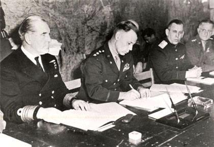 La Germania firma la resa ed ufficialmente termina la Seconda Guerra Mondiale