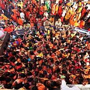 donne al tempio shiva in pellegrinaggio kanwaria prevede acque sacre gange deogarh india 2008