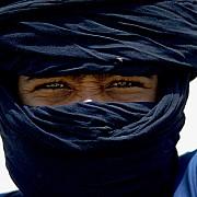 sahara giovane tuareg con velo tradizionale tamanrasset algeria 1974