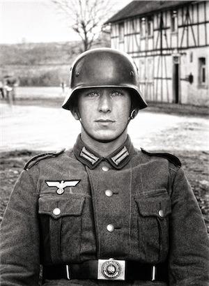 August Sander - Soldato, c. 1940