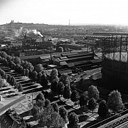 robert doisneau avenue du president roosevelt depuis un gazometre saint denis 1949