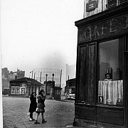 robert doisneau le nez au carreau paris 1953