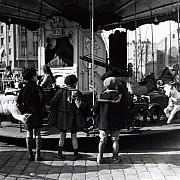 robert doisneau les enfants du manege paris xxeme 1934