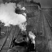 robert doisneau les voies ferrees le bourget 1946