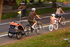 Carrellino per bimbi da attaccare alla bicicletta