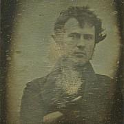 primo autoritratto fotografico conosciuto robert cornelius nel 1839