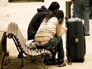 Turisti letteralmente 'sbragati'