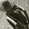 martin munkacsi nudo con cappello di paglia 1944