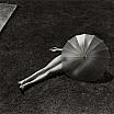 martin munkacsi nudo con ombrello parasole 1935