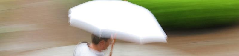 Un ombrello bianco è utile in fotografia