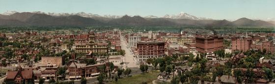 Denver con le Montagne Rocciose sullo sfondo, in una fotografia del 1898 di William Henry Jackson