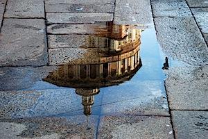 Creare riflessi con un po' d'acqua e tanta creatività