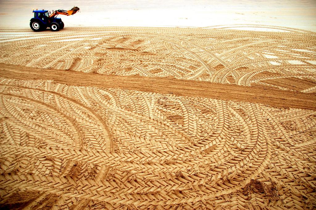 Trattore sulla sabbia