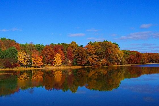 Riflessi d'autunno sul lago