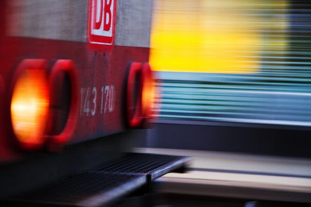 Treno alla Stazione Centrale di Mainz